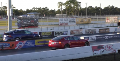 Drag Race - Tesla Model X vs Model S P90D Ludicrous (2)