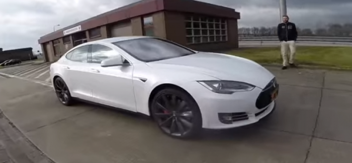 2016 Tesla Model S P90D LUDICROUS Autobahn Acceleration and top ...