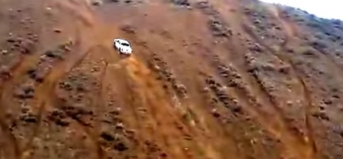 Insane GMC Sierra Truck Tackles An Impossible Hill – Video
