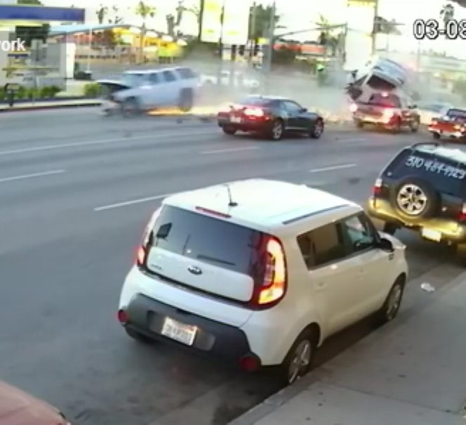 Scary Crash In Van Nuys California Caught On Video