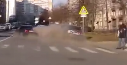 Drunk BMW driver crashes into parked cars (1)
