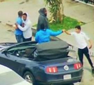 High Speed Police Chase in Los Angeles Ends With Selfies