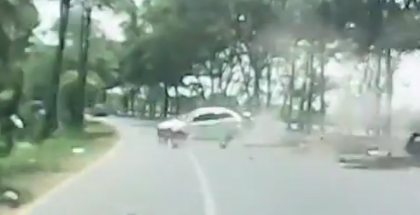 Reckless street racing ends in a crash (2)