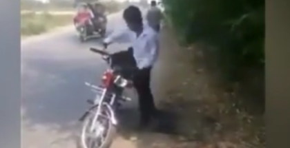 Motorcyclist gets robbed Three Times in under 30 seconds (1)