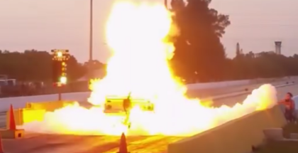 Transmission explodes at the track (1)