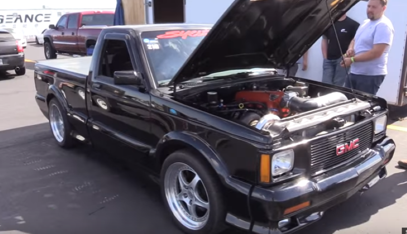 Turbo LSx GMC Syclone takes on other muscle cars – Video