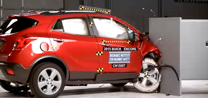 Small SUV Passenger-side protection crash test – Video