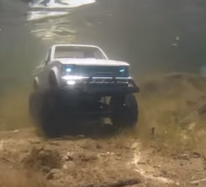 RC Truck under water drive (2)
