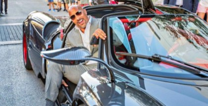 Dwayne Johnson Squeezing In A Pagani Huayra (1)