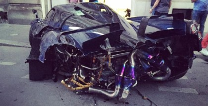 One-Off Pagani Huayra Pearl Crash