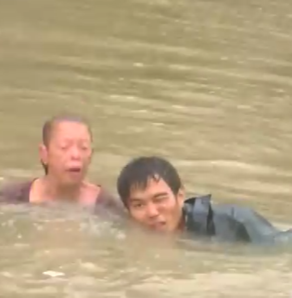 Amazing Rescue In Baton Rouge Floodwater – Video