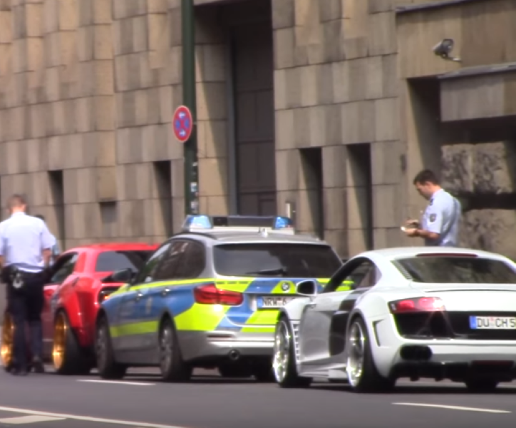 Police Busts Challenger Hellcat And Audi R8 Show Offs Video Dpccars