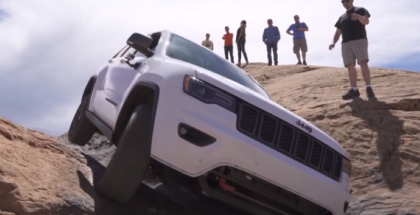 2017 Jeep Grand Cherokee Trailhawk Extreme Off Roading (1)