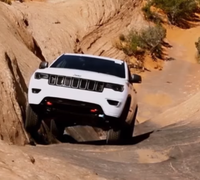 2017 Jeep Grand Cherokee Trailhawk Extreme Off Roading 2