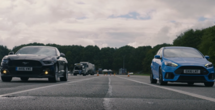 Drag Race - Ford Focus RS vs Ford Mustang GT (2)