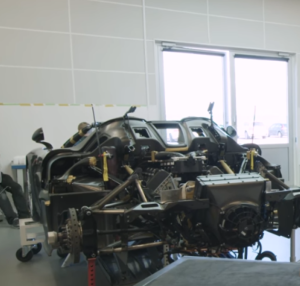 Explaining 248 MPH Koenigsegg Regera Without A Gearbox (2)