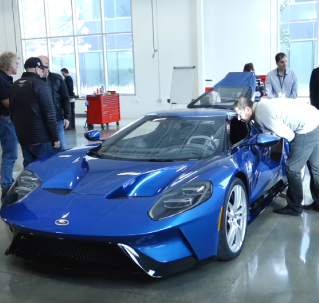 Ford Gt First Production Cars Roll Off The Line
