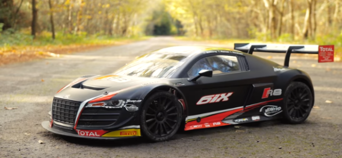 Drag Race – Audi R8 V10 vs RC Audi R8 – Video