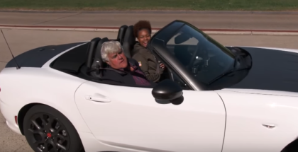 Jay Leno gives a war veteran a Fiat 124 Abarth Spider (1)