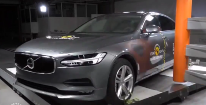 2017 Volvo S90 & V90 Crash Test (1)