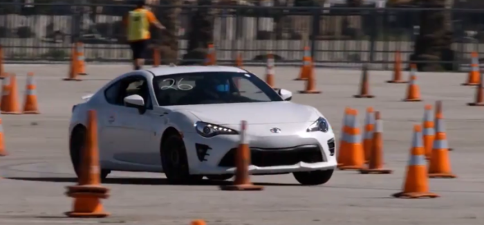 Autocross – Toyota 86 vs Corvette Club – Video