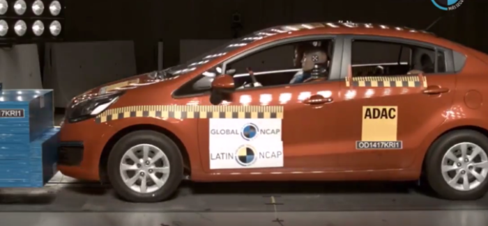 2017 Kia Rio Sedan NO Airbags Crash Test – Video