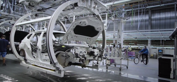 2018 BMW X1 Factory Assembly Plant – Video