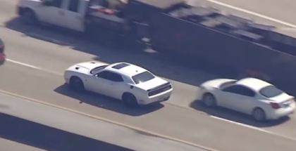 Dodge Challenger Hellcat Police Chase (1)