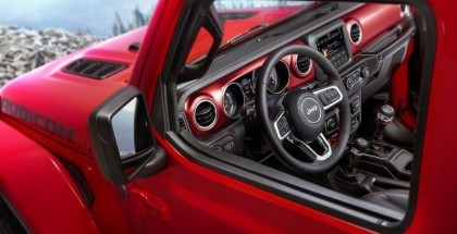 2018 Jeep Wrangler Interior Teased 1