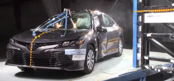 2018 Toyota Camry Crash Test & Rating – 5 Stars – Video