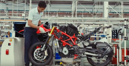2018 TVS Apache RR310 Production Factory