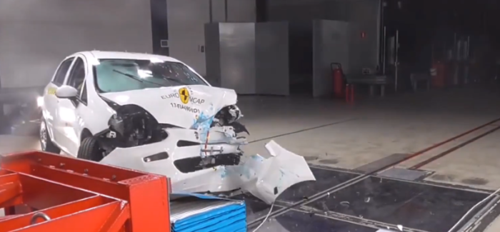2018 Toyota Yaris, Fiat Punto, DS 3  Crash Test & Rating – Video
