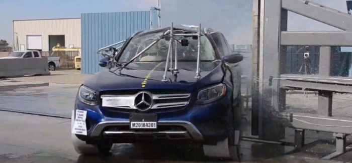 2018 Mercedes GLC 300 MPV Crash Test – Video