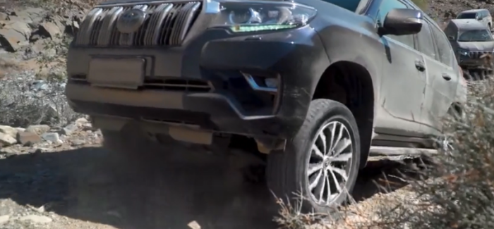 2018 Toyota Land Cruiser Off-Roading – Video