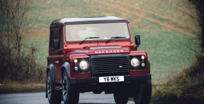 405PS Classic Land Rover Defender V8 Special Edition