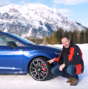 Seat Snow Test Drive With SEAT Leon ST Cupra German Review  (2)