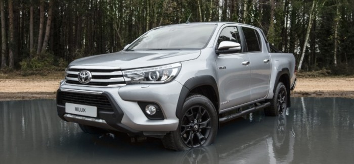 Toyota Hilux Invincible 50 Black Edition – Video