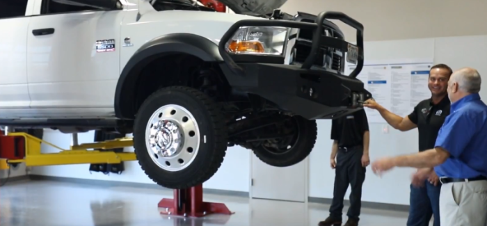 Mopar 10 Years of Express Lane Service With New Facility – Video