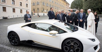 Pope Francis Lamborghini Huracan Sells For $860 k