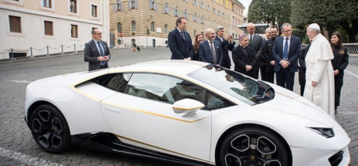 Pope Francis Lamborghini Huracan Sells For $860k – Video