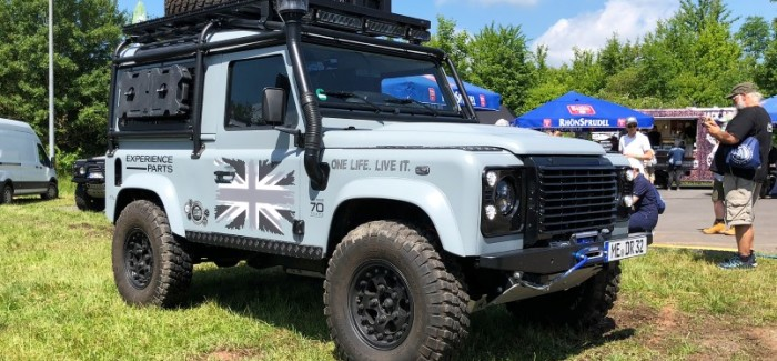 World's Longest Land Rover Parade – 2018 Guinness World Record – Video
