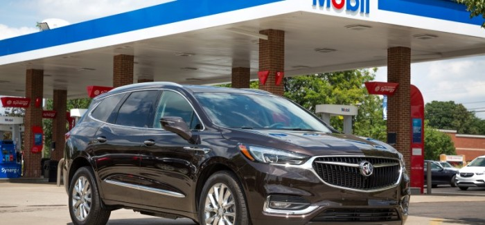 A new update to Marketplace brings ExxonMobil's pay for fuel functionality right to the infotainment screen of eligible Buick vehicles. This service allows drivers to pay for fuel from their vehicle without swiping their credit card or using their smartphone.