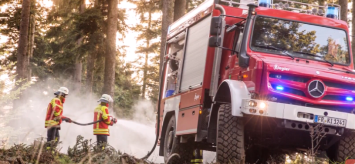 Extreme Off Roader Unimog U5023 Fire Truck – Video