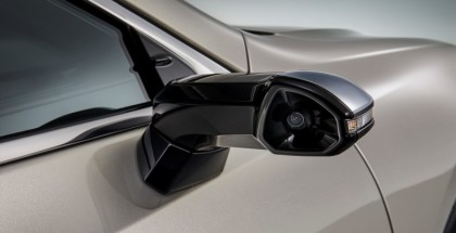 2019 Lexus ES ES350 Gets Digital Outer Mirrors