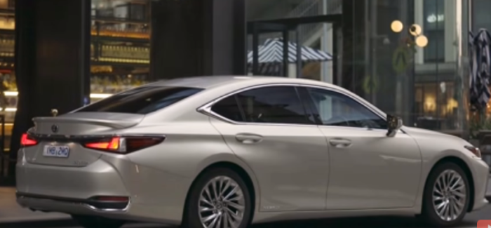 2019 Lexus ES300h Hybrid – Australian Spec – Video